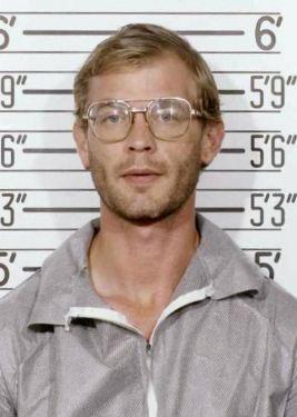 Jeffrey Dahmer Milwaukee Police 1991 mugshot.jpg