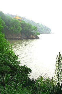 Lake Tai 1.jpg