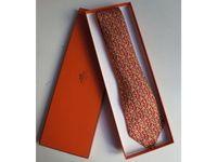 Cravate Hermès motifs géométiques