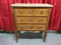 Petite commode style transition