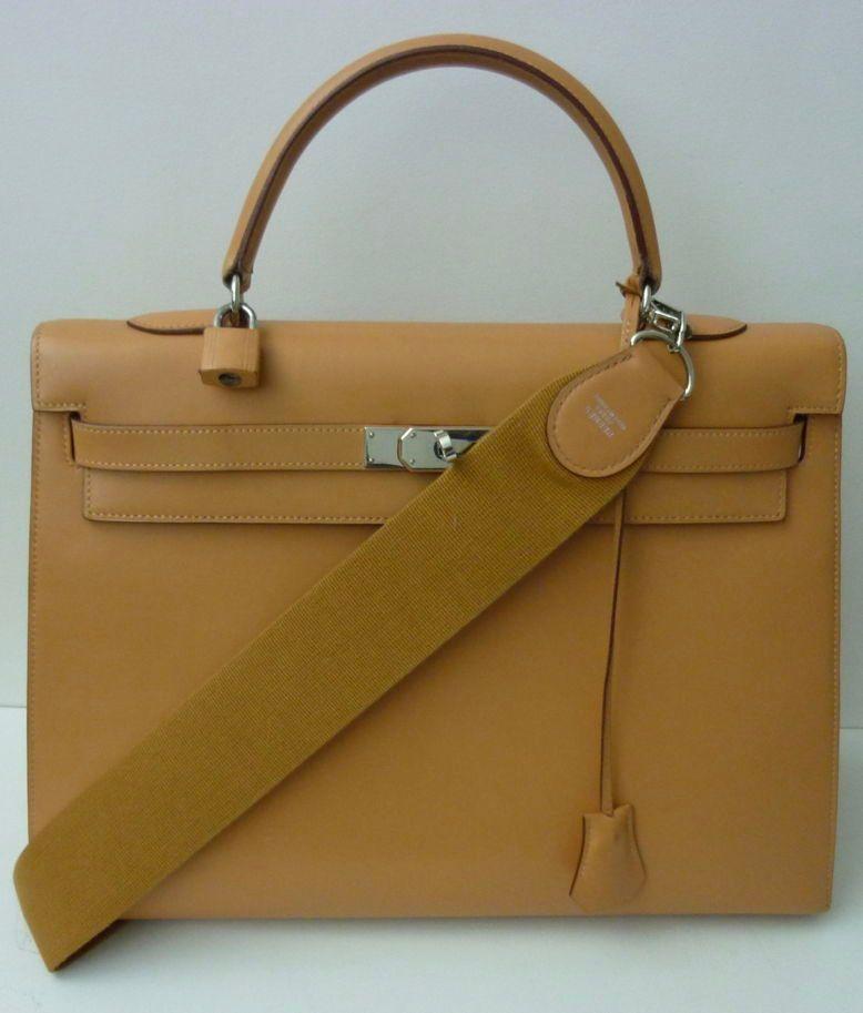 Rare Hermès Kelly sellier 35en cuir box nude avec bandoulière