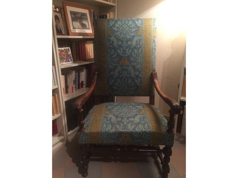 Vends deux fauteuils Louis XIII