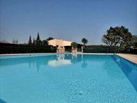 Loue appartement dans parc de 5hectares avec piscine semi olympique
