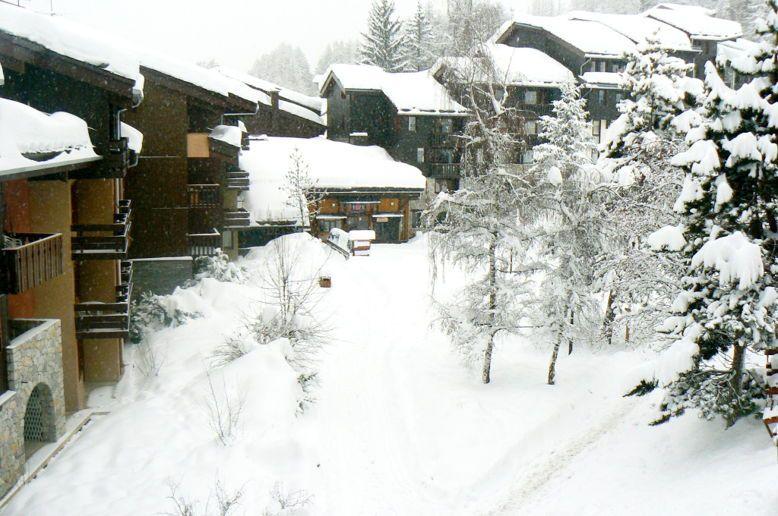 Loue Les Coches: Duplex au ski pieds des pistes et commerces 6couchages