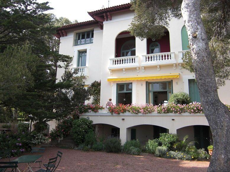Loue à St Raphaël dans villa PIEDS DANS L'EAU Duplex 6couchages