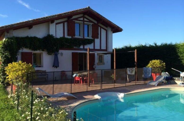 Loue villa avec piscine Côte Basque- 8couchages