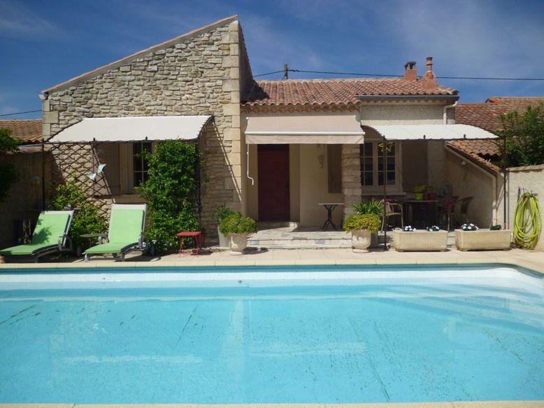 Loue mas Saint Rémy de Provence à 600m du centre 7couchages,piscine