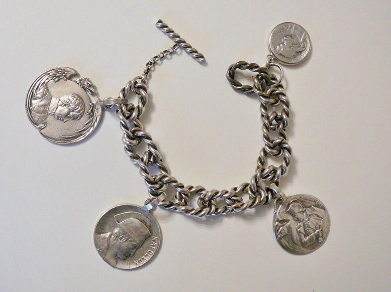 ANCIEN Bracelet gourmette metal argente medailles NAPOLEON