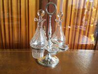 Huilier Vinaigrier en métal argenté