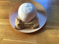 Chapeau de cérémonie crème