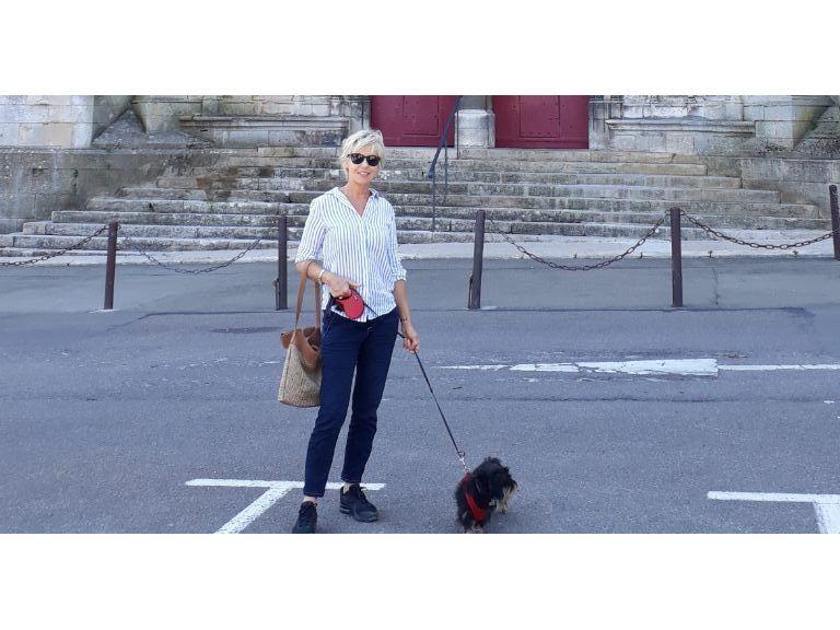 Retraitée Propose babysitting - Cannes, le Cannet. (Motorisée)
