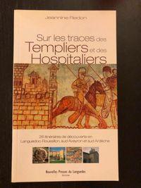 Donne livre d'histoire sur les Templiers