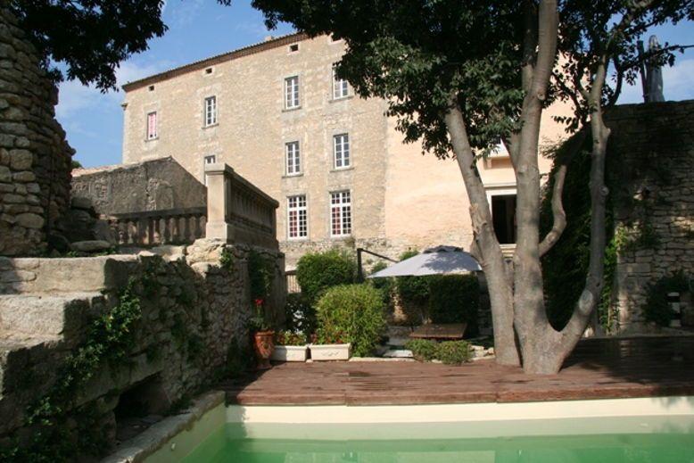 Loue Château et Loft à Goult dans le Luberon (14pers.+4)