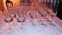 Vends service à verres en cristal de 24pièces