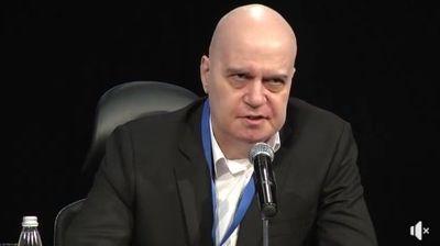 Слави Трифонов: ГЕРБ не са осъзнали, че свърши времето, в което нямаше кой да им разобличава лъжите