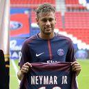 Флорентино Перез подигнал кредит, Реал следната недела тргнува во офанзива по Нејмар