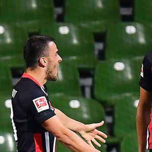 Ајнтрахт му даде три гола на Вердер во Бремен, резервистот Илсанкер беше ѕвезда на мечот