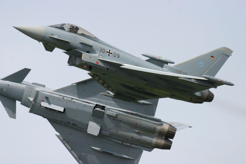 [Image: EF2000_Eurofighter.jpg]