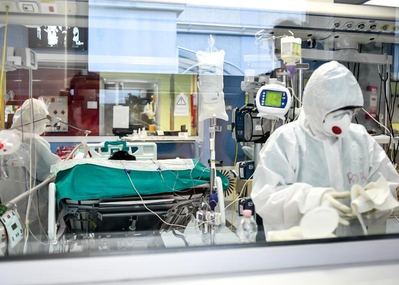 Coronavirus record minimo morti 26 85 dei contagi Lombardia