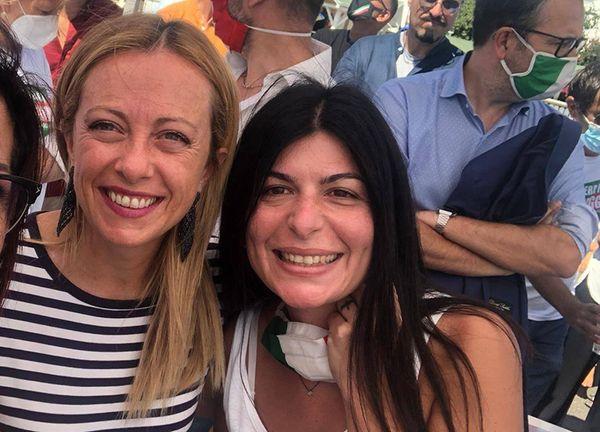 Elezioni Roma: FdI scalda Colosimo sindaco contro la Raggi: è sfida tra donne