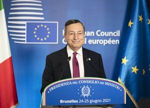 Covid, verso l'obbligo vaccinale: Draghi, da autorevole a autoritario...