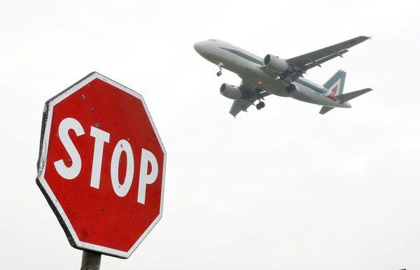 Alitalia, 100 milioni per la parte Aviation. L'offerta Ita scade il 31 agosto thumbnail