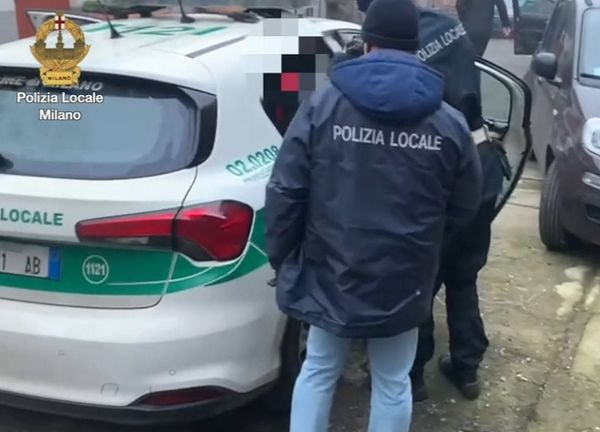 Milano, arrestati 4 agenti della Polizia Locale dopo il servizio delle Iene