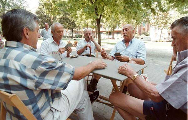 Covid, la socialità conta più della famiglia per la diffusione tra gli anziani - Salute & Benessere