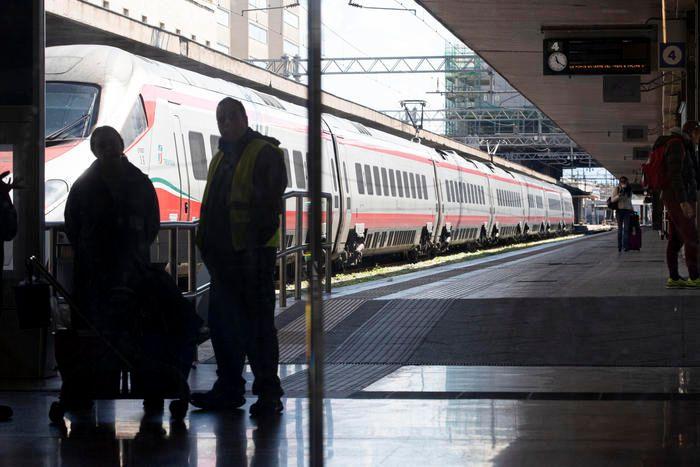Coronavirus positivo treno alla Stazione Termini