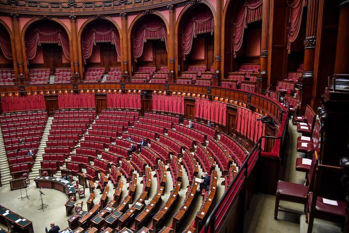 della Camera decreto imprese con 269 ì, testo Senato