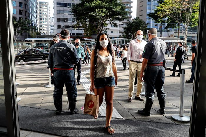 pandemia esplode America Latina superati 1 5 milioni contagi