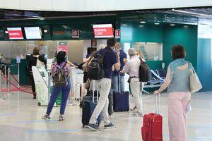 L'Enac avverte le compagnie aeree low cost, multe contro gli extra costi - Economia