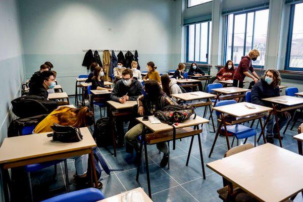Covid:fonti,dal 26 riaprono tutte scuole tranne zona rossa - Ultima Ora