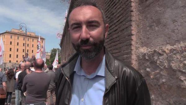 Covid, Barillari: Mascherina, tamponi e vaccini inutili, e' un virus stagionale - Italia