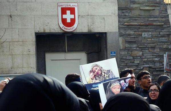 Iran: diplomatica svizzera muore cadendo da una finestra - Ultima Ora