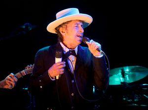 Bob Dylan citato in tribunale: 'abusi sessuali su 12/enne nel 1965' - Mondo