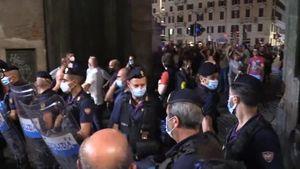 'No green pass', manifestanti bloccano piazzale Flaminio - Italia