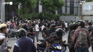 Thailandia, scontri tra manifestanti e polizia a Bangkok - Mondo