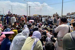 Afghanistan: calca vicino aeroporto Kabul  - Mondo