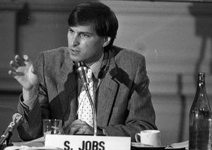 Asta record per il manuale di Apple II firmato da Steve Jobs - Hi-tech