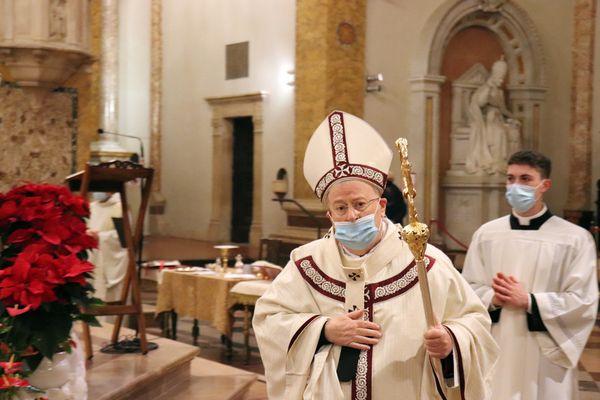 Il presidente Cei Bassetti alla messa di Natale a Perugia - Primopiano