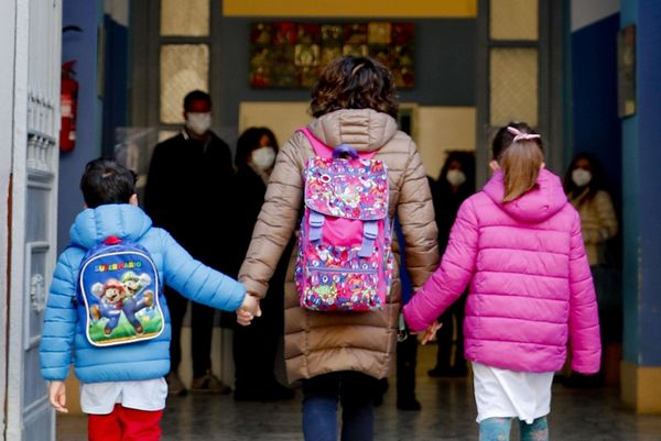 Covid-19. Italia quasi tutta arancione. Oggi in classe 6 milioni e 600mila studenti