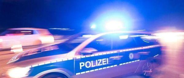 Autodieb liefert sich einstündige Verfolgungsfahrt mit Polizei und rammt Dienstautos – fünf Beamte verletzt