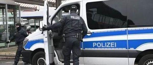 Nachrichten Festnahmen bei Razzia in Bremen - Polizisten unter Verdacht