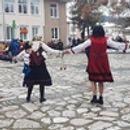 Весело бабино хоро се изви в село Баня