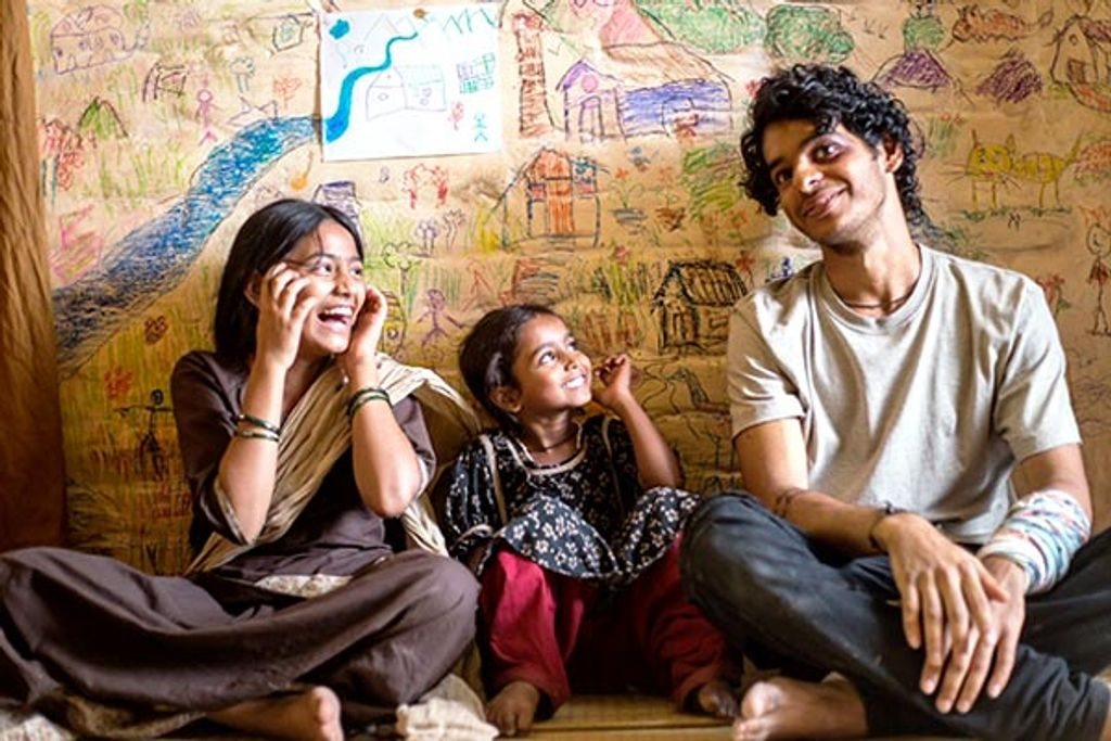 Beyond The Clouds new still: Ishaan Khatter looks like a charming boy-next-door with dreamy eyes