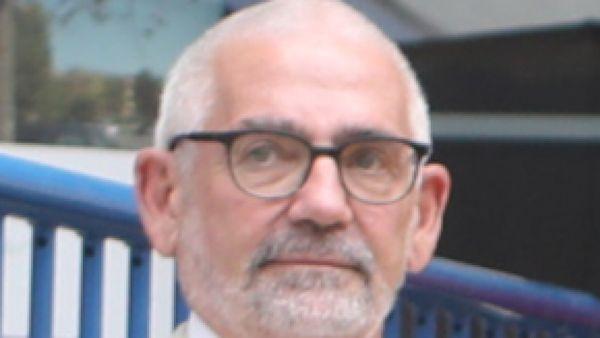 Direktor Papajanopulos geht auf Reisen