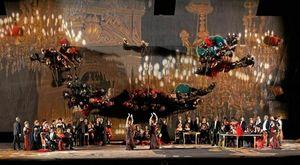 """Torna allo Sferisterio """"La traviata"""" nella celebrata messinscena di Svoboda riallestita con tante novità registiche, coreografiche e nei costumi"""