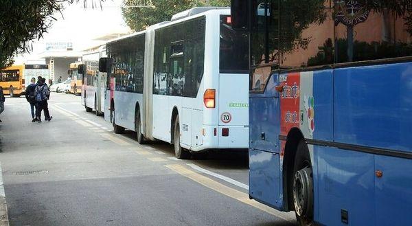 Castelli e il trasporto scolastico: «Fatto il massimo ma temo disagi». Il monitoraggio: assenze per green pass degli autisti tra il 10 e il 14%