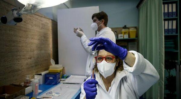 Coronavirus in Italia, crescono i positivi e non si ferma la conta dei morti: 469 vittime in un giorno
